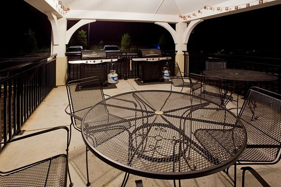 Colonial Heights, VA: Guest Patio