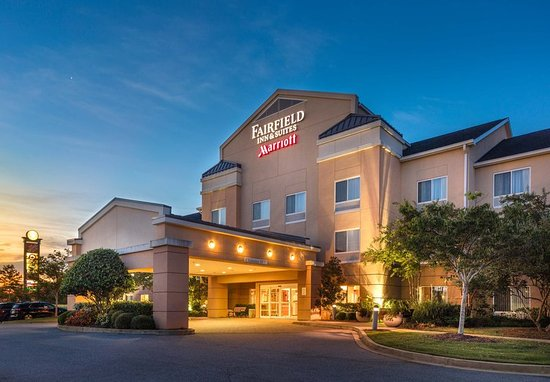 Entrance Picture Of Fairfield Inn Suites Auburn Opelika Opelika Tripadvisor