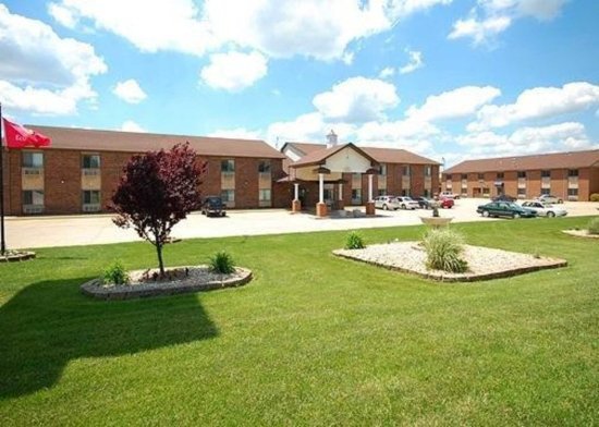 Greenville, IL: Hotel exterior