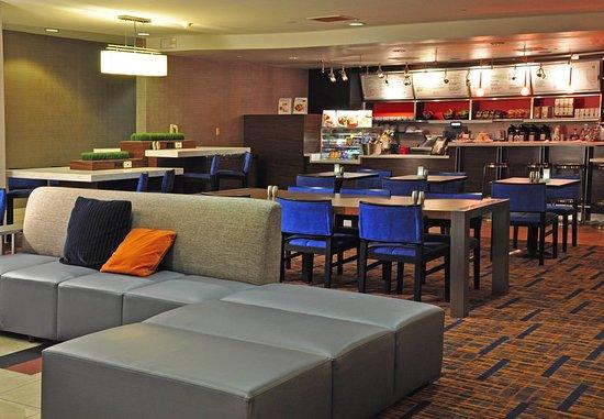 Kingston, NY: The Bistro – Sitting Area
