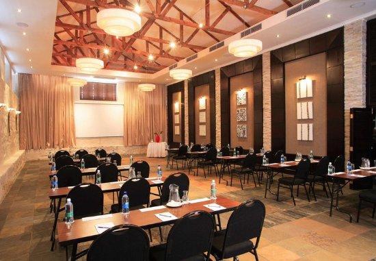Protea Hotel by Marriott Mossel Bay: The Ochre – Classroom Setup