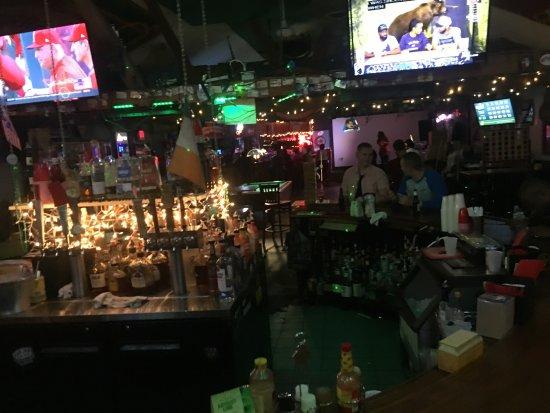 Trenton, Нью-Джерси: Dive Bar Views