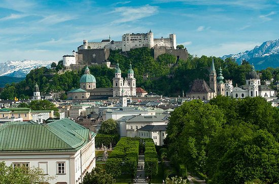 Salzburg Small-Group Walking Tour with Historian Guide