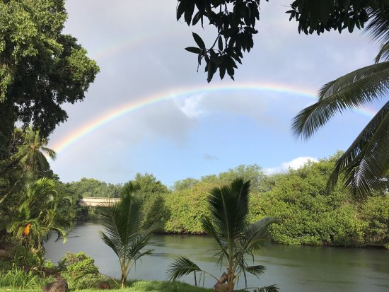 Surf Hawaii Surf School: Double rainbow in the backyard