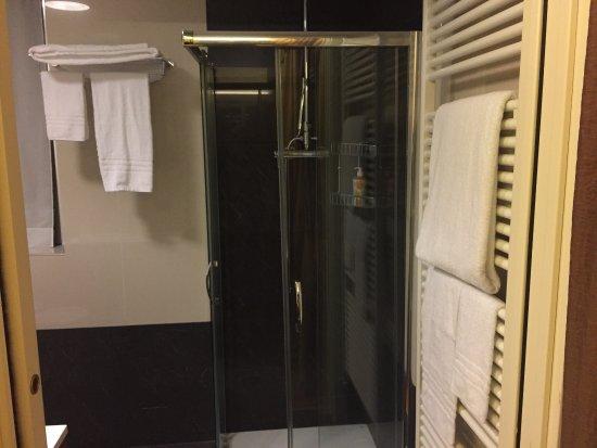 Bagno moderno billede af hotel la bussola novara tripadvisor - Bagno la bussola ...