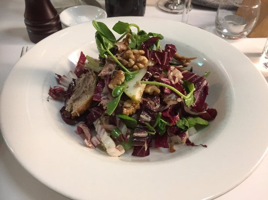 Coolum Beach, Australia: duck confit salad