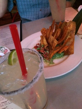 El Camino: Margaritas and plantain chips