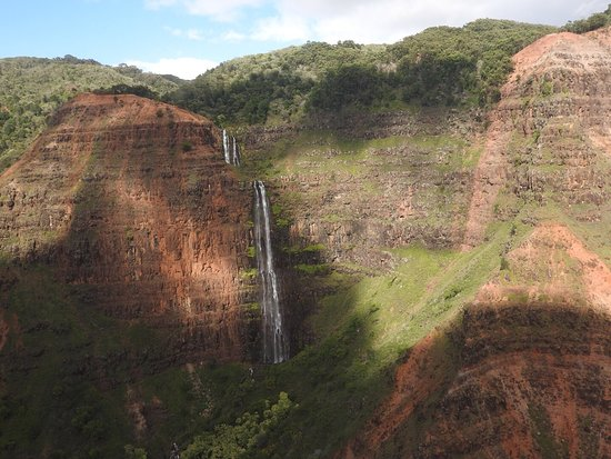 Blue Hawaiian Helicopters - Kauai: 👍🏻🚁 toller Flug... ich würde es jedem entfehlen, da man dadurch Kauai auf eine andere Art sie