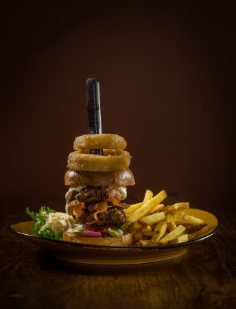Hämeenlinna, Suomi: Paljon special burgereita