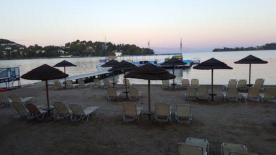 Louis Corcyra Beach Hotel: hotel beach watersports jetty