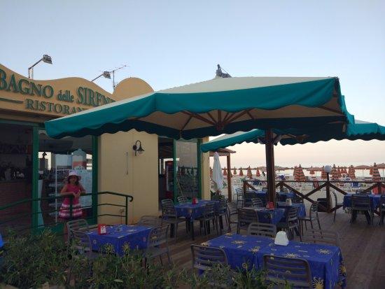 Bagno delle sirene grottammare restaurantanmeldelser for Arredo bagno ascoli piceno