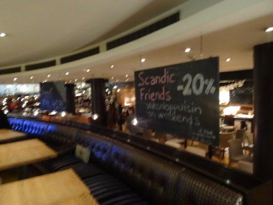 Scandic Marski: Bar and snack area above restaurant