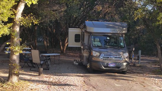 Dinosaur Valley State Park: Wide Sites for RV
