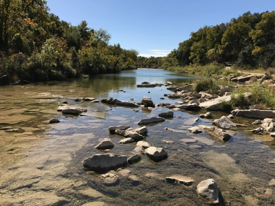 Dinosaur Valley State Park: Look in the water for more tracks