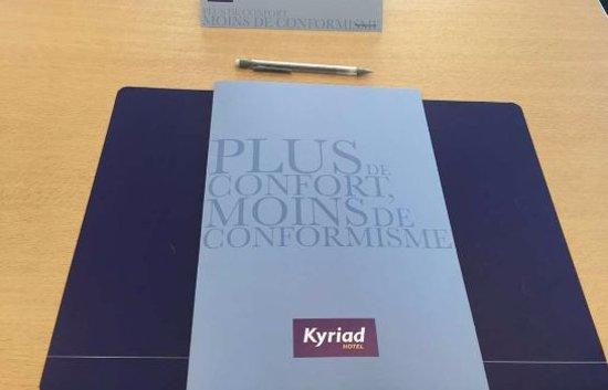 Kyriad Avignon - Centre Commercial Cap Sud : SALLE SEMINAIRE/ CONFERENCE ROOM