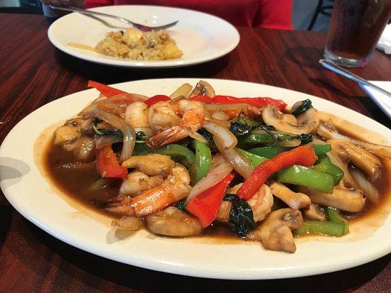 Manor, TX: Seafood Dish
