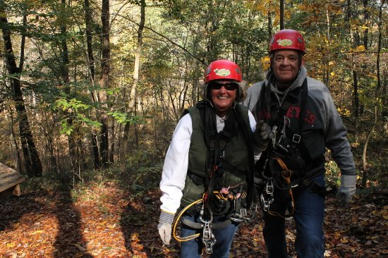 Tree Frog Canopy Tours Zipline: Just finished and you can tell by the smiles it was great!
