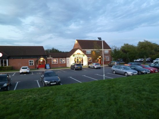 South Hykeham, UK: Pub from the main road