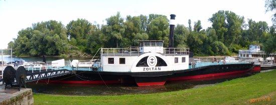 Neszmély Boat Museum: Zoltán gőzös