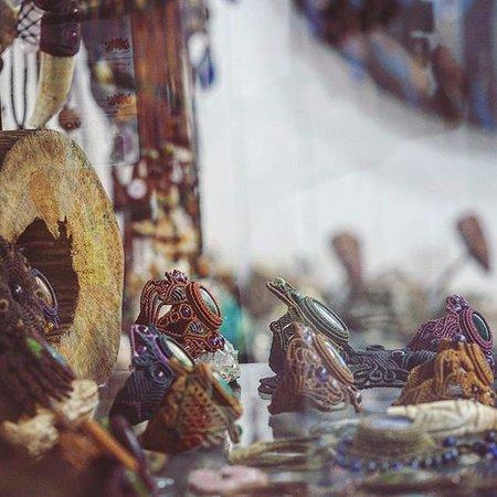 Pucallpa, Περού: Macrame bracelets