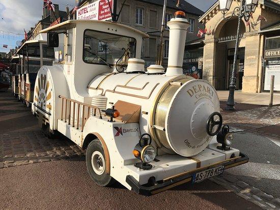 Bayeux, Fransa: Le Petit Train outside the tourist office.