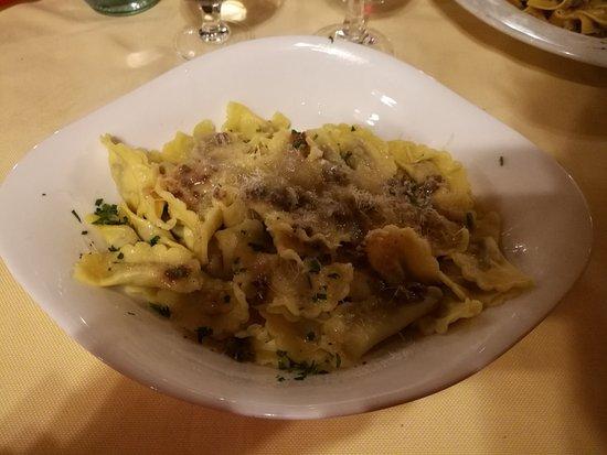 Valdisotto, Italia: Mezzelune di selvaggina al burro
