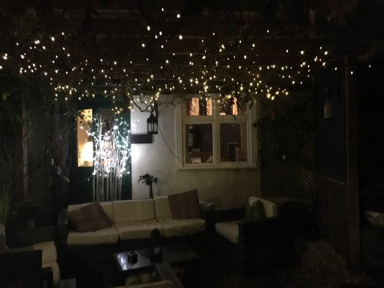 South Molton, UK: Very cosy on a cold night and lovely food