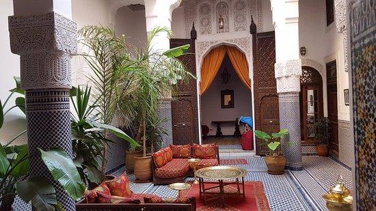 Riad Tayba: salon d'accueil