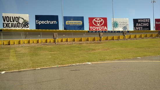 Turn 3 picture of charlotte motor speedway concord for Charlotte motor speedway tours