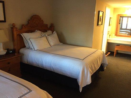 Franciscan Inn & Suites: photo3.jpg