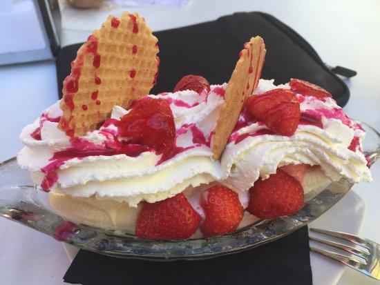 Anbarok: Bananensplit mit Erdbeeren