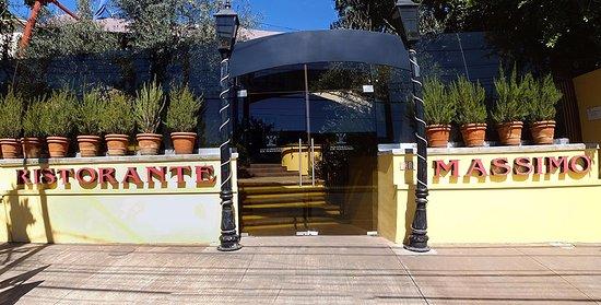 Da Massimo Restaurante Italiano : The entrance.