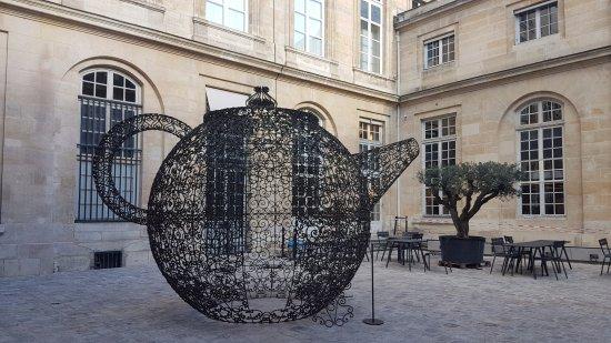 Guy savoy cours ext rieur de l 39 hotel de la monnaie picture of restaurant guy savoy paris - Hotel de la monnaie ...