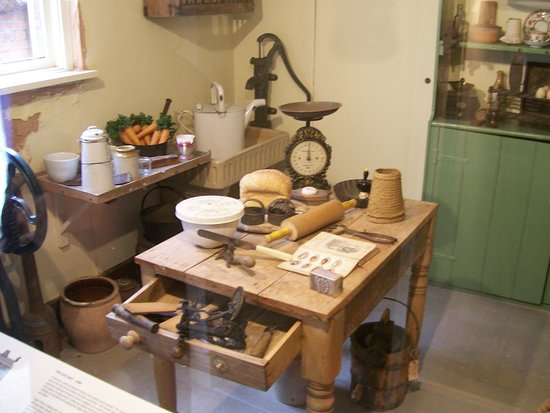 Weston Museum Inside Claras Cottage