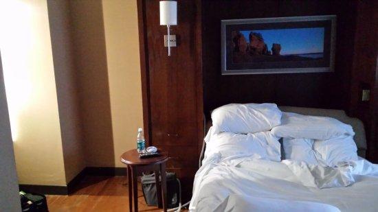 Hilton Saint John: This photo was taken at 5am with the curtain drawn!!