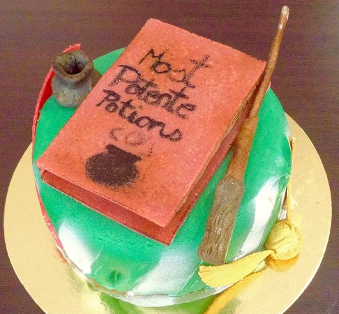 G teau chocolat d co p te d 39 amande th me harry potter - Deco gateau pate d amande ...