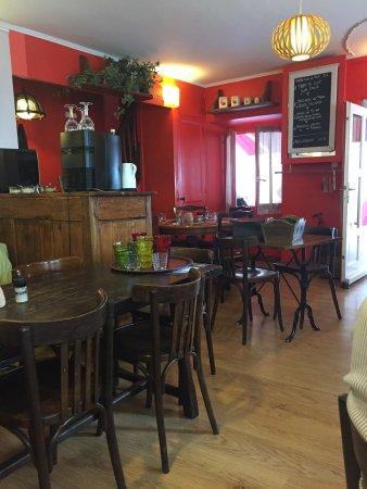 restaurant la salle a manger dans voiron avec cuisine fran aise. Black Bedroom Furniture Sets. Home Design Ideas