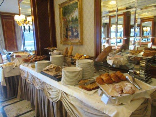 Hotel Splendid: Breakfast