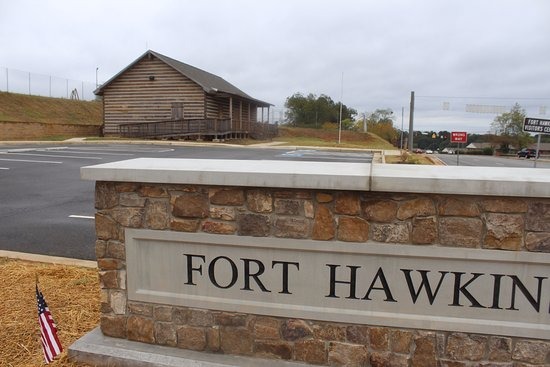Fort Hawkins: Parking Entrance