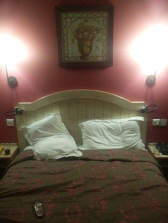 Hotel Daumesnil-Vincennes : TA_IMG_20171028_213149_large.jpg