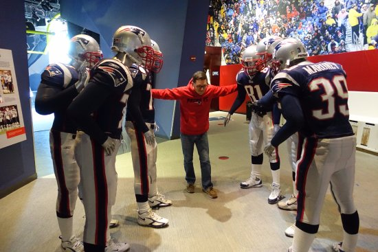 690563e3a4f In the huddle - Picture of The Patriots Hall of Fame