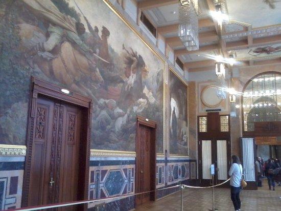 Obecní Dům: 28th October - Day of Republic, open doors in Obedni dům