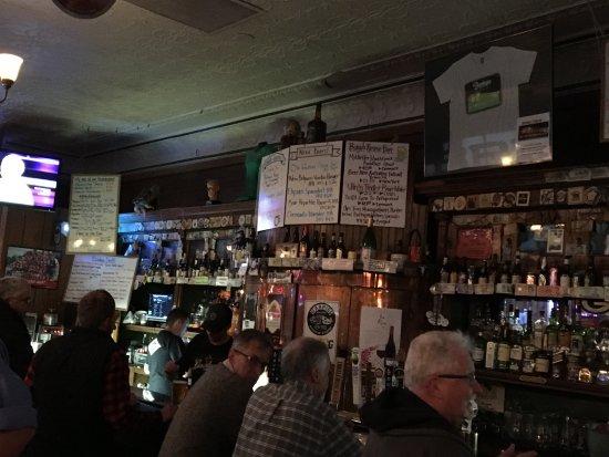 Bodega Brew Pub: Bar Area