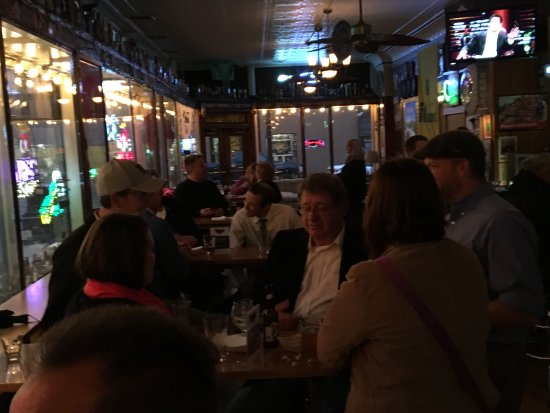Bodega Brew Pub: Table Area