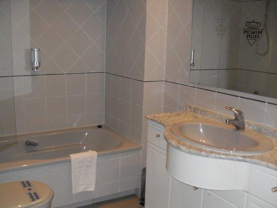 salle de bains chambre 116