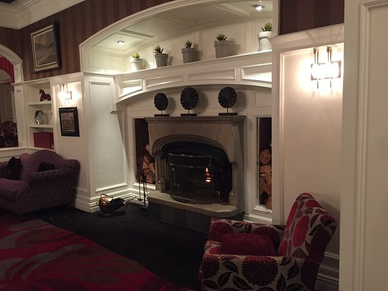 The Killarney Park Hotel: Lobby sitting room.