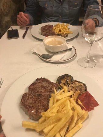 Meaño, España: Increíble lugar para cenar!! Trato exquisito y comida top :)
