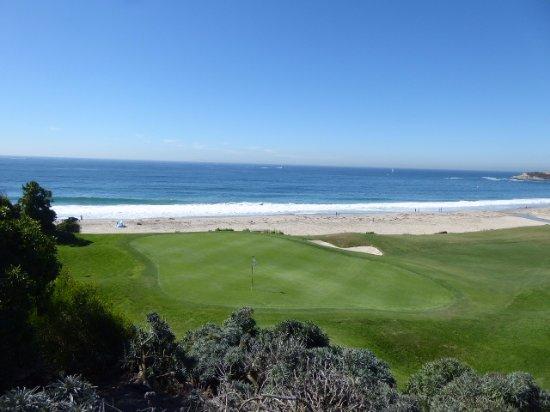 ดานาพอยต์, แคลิฟอร์เนีย: Golf course hole nearly on the beach
