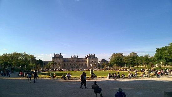 paris france le jardin du luxembourg palace - Jardin Du Luxembourg Paris