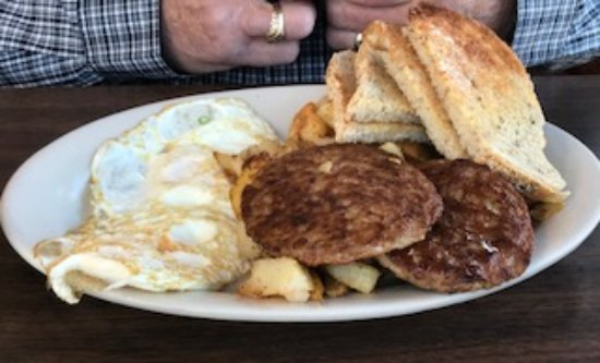Ludlow, VT: Fried Eggs, Sausage, Home Fries and Oven Baked Toast